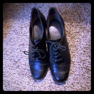Franco sarto size 7 oxford heels